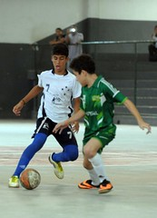 football player(1.0), futebol de salã£o(1.0), sports(1.0), team sport(1.0), player(1.0), football(1.0), ball game(1.0), futsal(1.0),