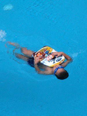 20130928_julianbackswim