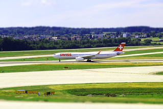 Tilt-shift at Zurich-Airport