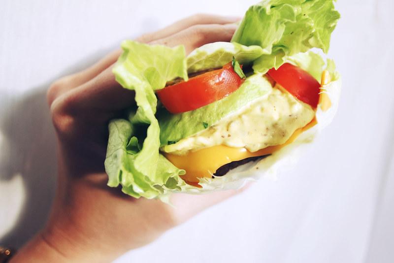 food, hamburger, hampurilainen, salaatti, pihvi, namnam, resepti, ruokaohje
