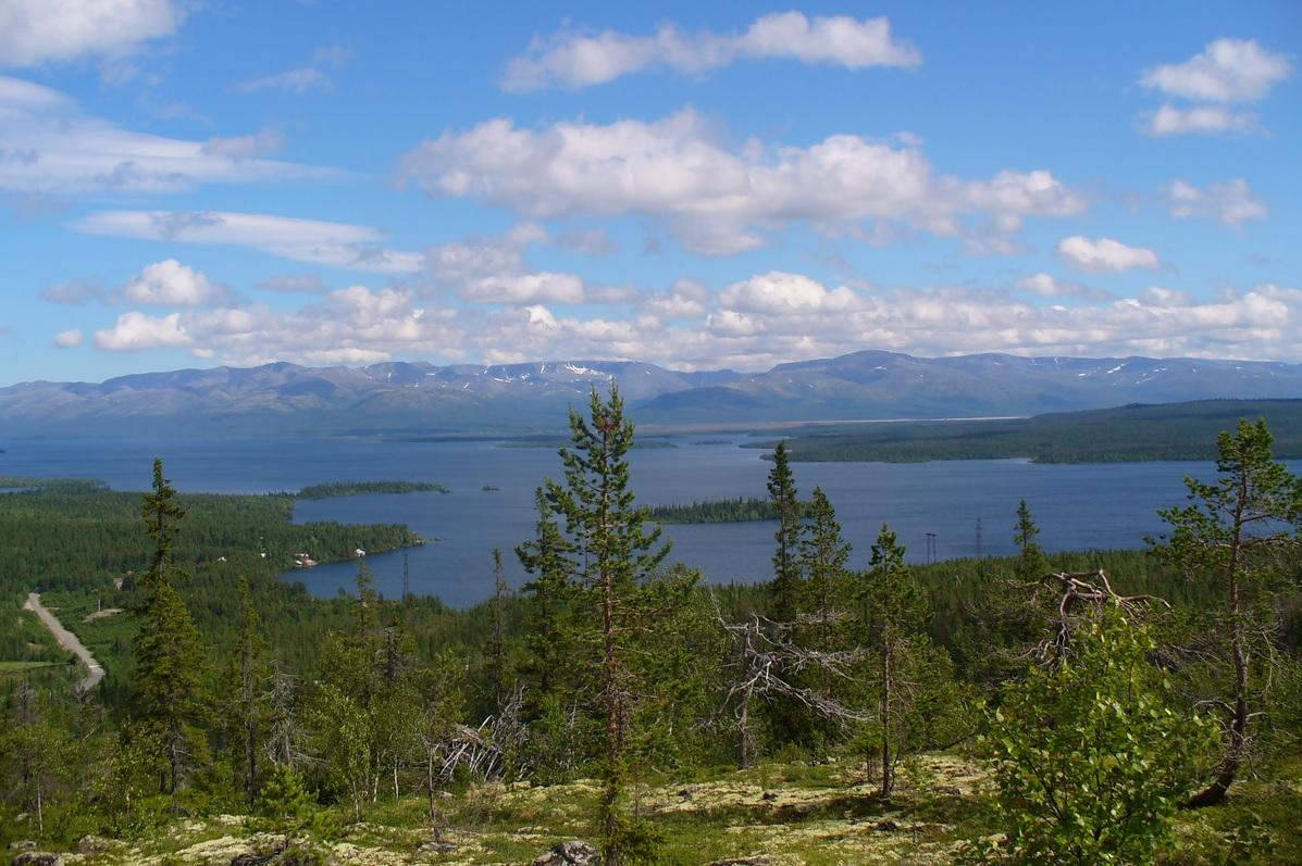 3. Lago Imandra, de la península de Kola. Autor, Pablol1987