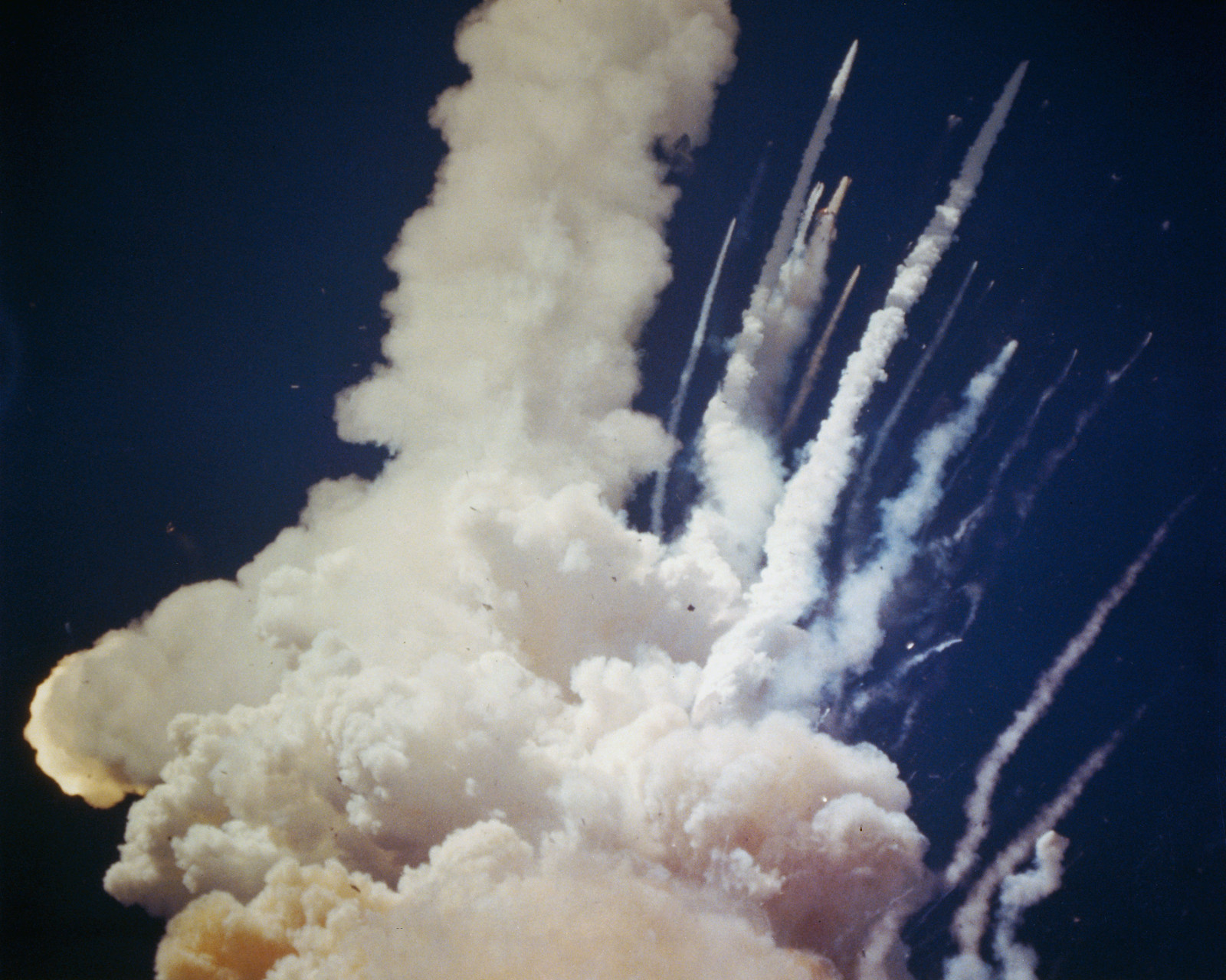 The last flight of the Space Shuttle Challenger ...