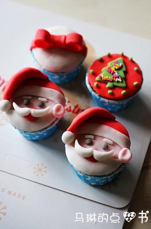 圣诞老人的纸杯蛋糕