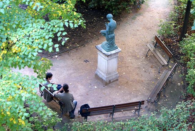 Joueur de flûte statue dans le jardin Saint-Pierre à Lyon