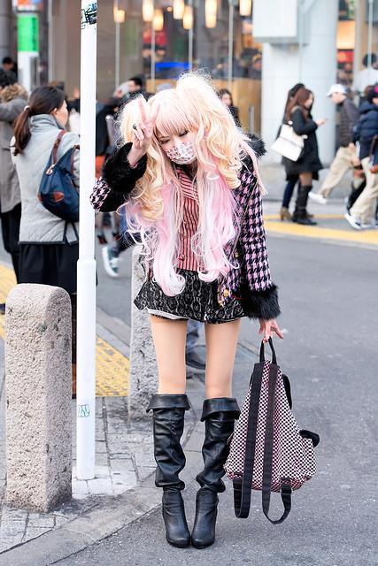Harajuku Gal W Rainbow Eye Makeup Silver Hair In Anap: 11963470136_9015c9d8e5_z.jpg