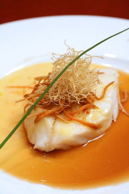 Steamed Cod Fillet with Ginseng and Cordycep Flowers