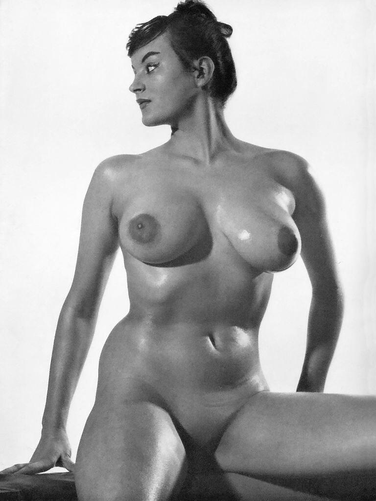 Latina pussy paula gloria nude Tara top MILF