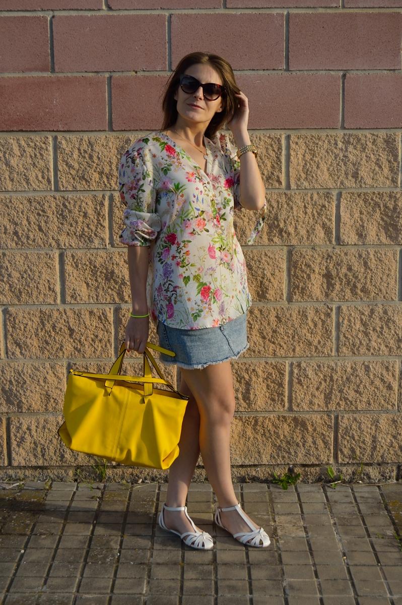 lara-vazquez-madlula-blog-details-yellow-bag-easy-chic