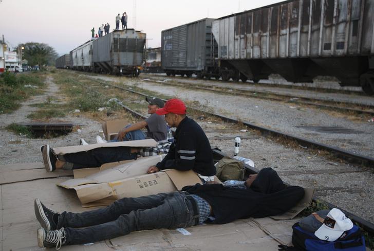 "The perils for migrants aboard Mexico's ""train of death"" Zetas Cartel Victims"