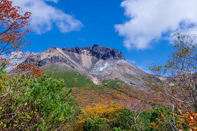 茶臼岳と姥ヶ平の紅葉の絶景@ひょうたん池分岐付近