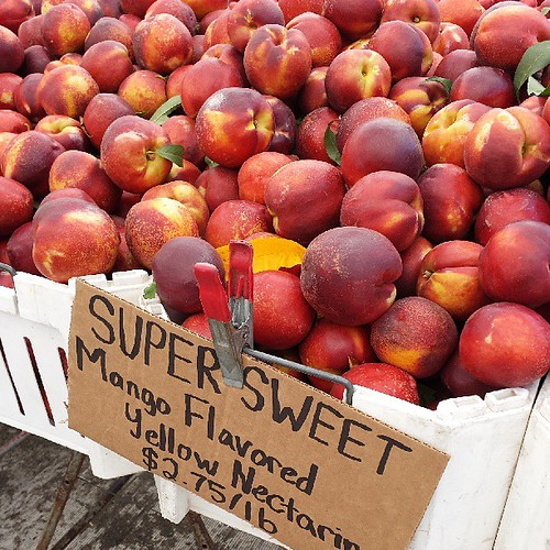 Ken's mango flavored nectarines are here! Love these. #happyplace #farmersmarket