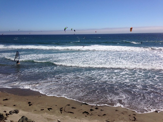 Kite surfers in Santa Cruz