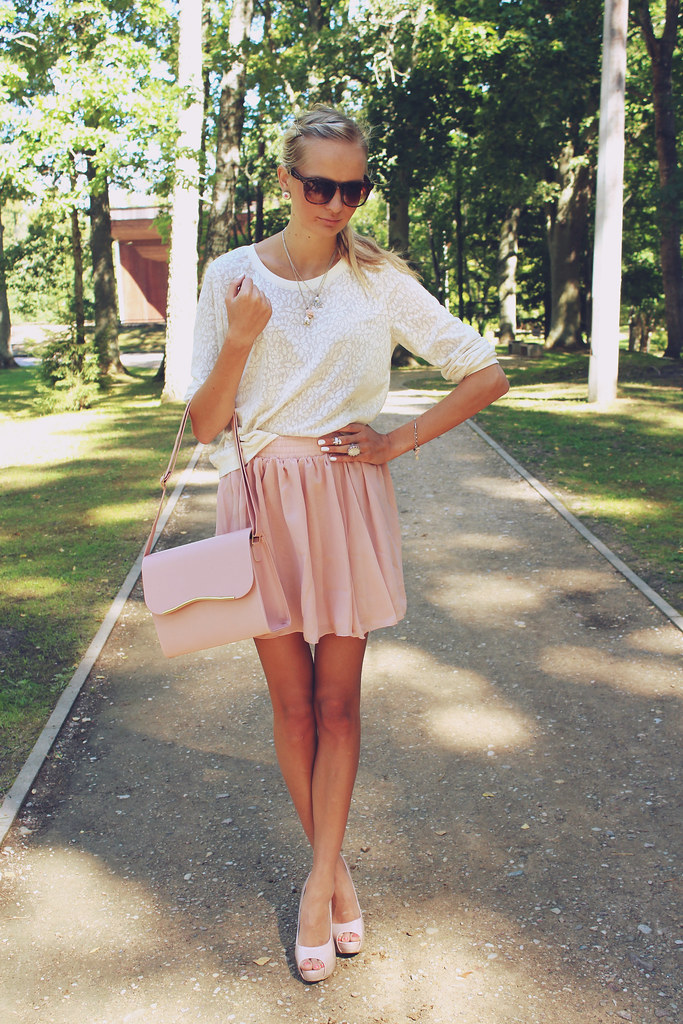 Oasap skater skirt, fashion blog, blogger, soft pnik skirt, nude heels