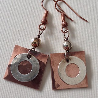 #copper #silver #simple #square #beaded #jewelry #jewellerymonthly #anikojewelry #etsy #earrings #trendy #metal #steampunk #instajewelrygroup #wirewrap #wirewrapped #wire