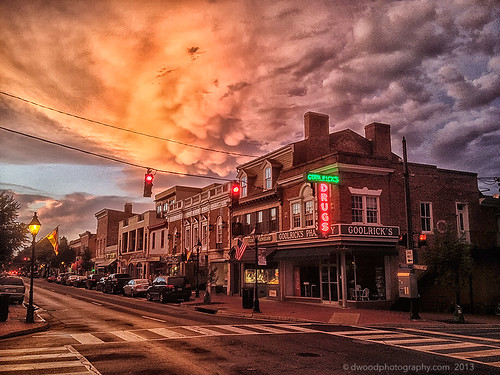 street blue orange cloud cars virginia downtown neon cityscape phone view va fredericksburg oe iphone fredericksburgva mammatus downtownview mammatuscloud dwoodphotography dwoodphotographycom