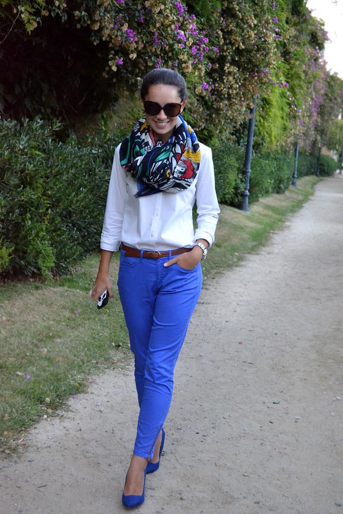 Azul en otoño