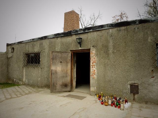 chambre a gaz et crematorium auschwitz birkenau pologne