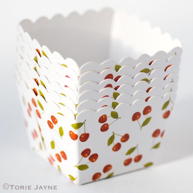 Cherry print baking cups