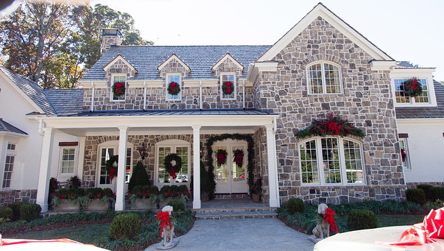 The 2013 Atlanta Homes & Lifestyles Home for the Holidays via Things That Inspire, photo credit Kate Byars