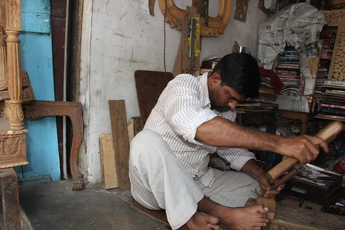 The Wood Carver Bandra ,, shot by Nerjis Asif Shakir 2 year old by firoze shakir photographerno1