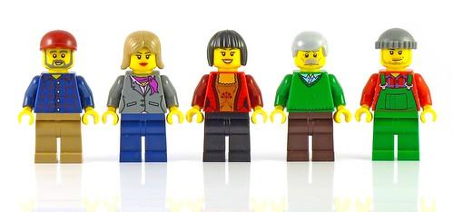 LEGO 10229 Winter Village Cottage figs04