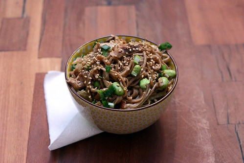 Spicy Soba Noodles with Shiitakes and Cabbage – Elly Says Opa!