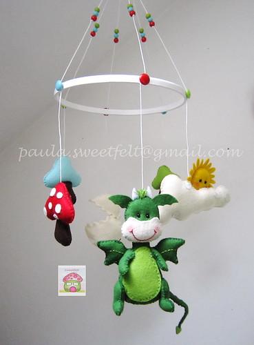 ♥♥♥ Novo mobile Sweetfelt, com o Joãozinho, o dragão fofinho... by sweetfelt \ ideias em feltro