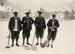 Curlingspelers tijdens Olympische Winterspelen, Chamonix / Curling Players during Winter Olympics, Chamonix