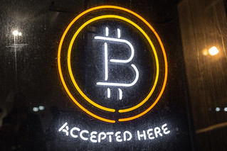 Bitcoin Logo - Bitcoin Accepted Here Neon Sign