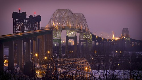 longexposure bridge winter sky ontario architecture night twilight arch unitedstates michigan railway saultstemarie liftbridge 16x9 internationalbridge 3seconds movablebridge stmarysriver verticalliftbridge 49783 saultstemarieinternationalbridge internationalrailroadbridge americanspan fujixe1 westportageavenuebridge