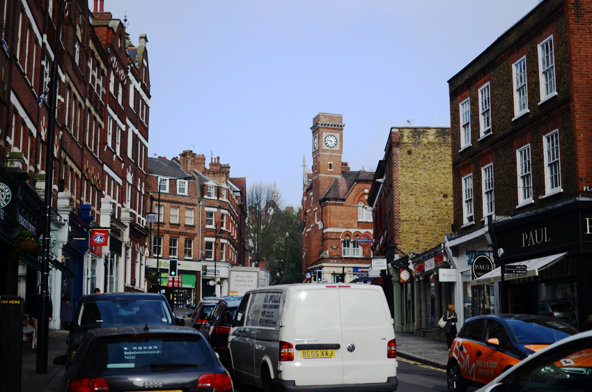 2 hampstead busy road times