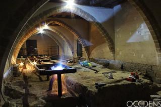 Materiales de la exposición en la catedral de Pamplona (Navarra).