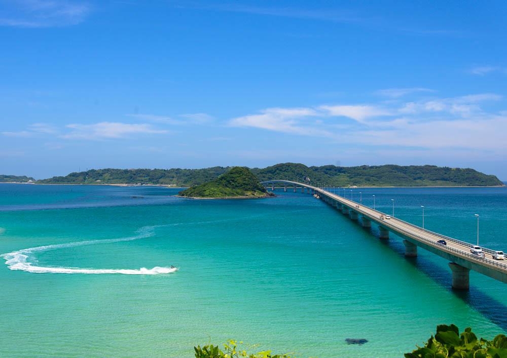 角島大橋と海の風景