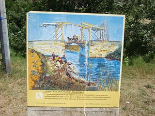 010 bord met schilderij brug van Gogh