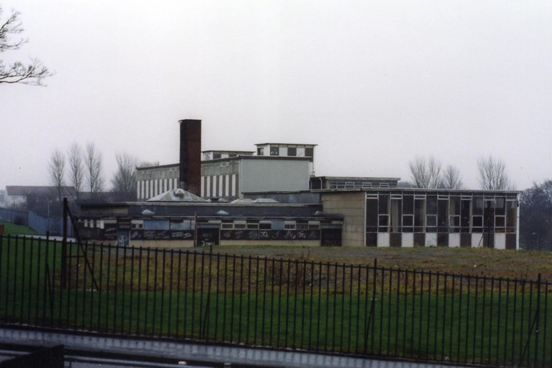 Ruchazie Primary School from Elibank Street 2