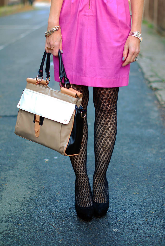 Pink Mulberry dress, patterned tights & color block bag