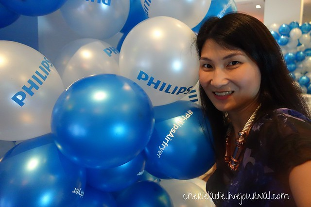 cherie posing with balloons