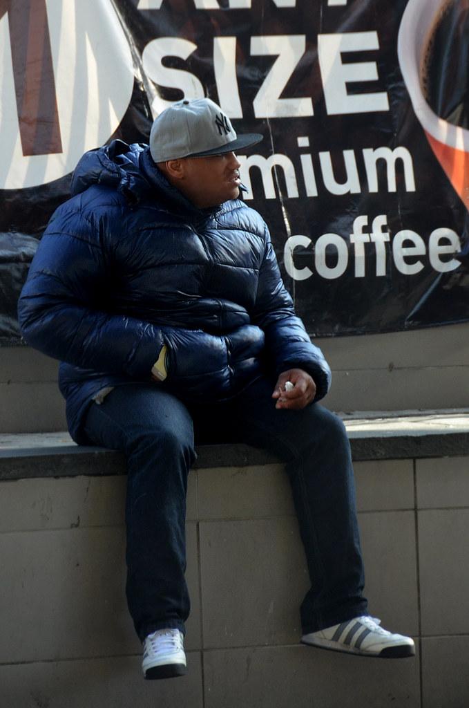 Personaje en el barrio del Bronx