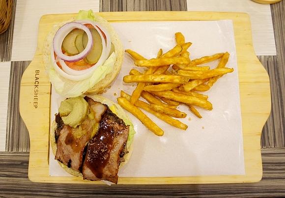 黑羊加州美式漢堡10