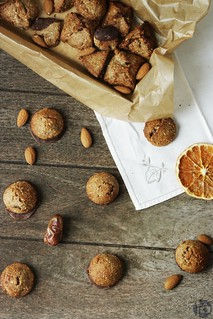 Almond Cookies with Dates and Chocolate