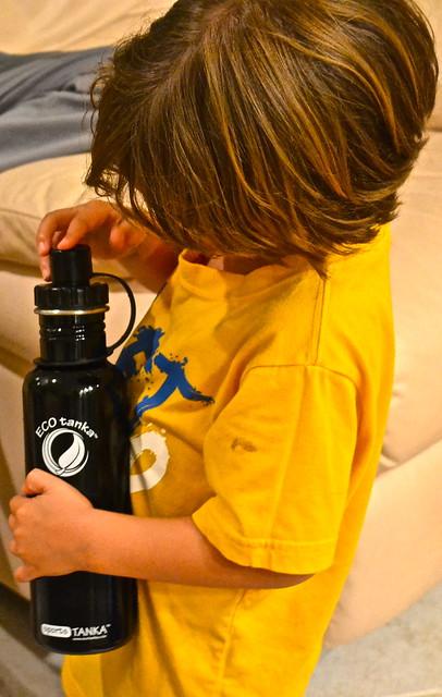 eco friendly water bottle - ecotanka review