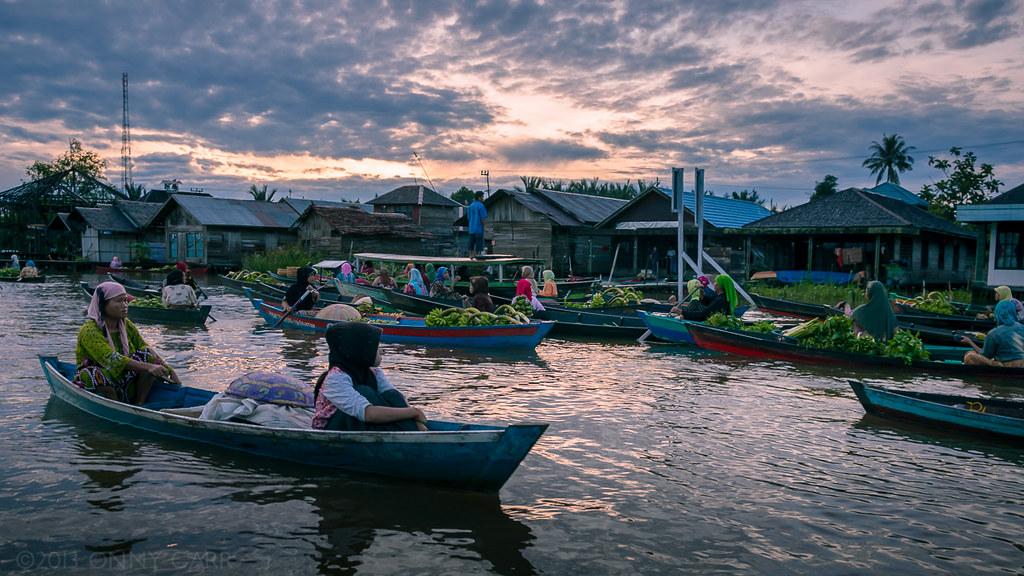 Dawn Floating Market