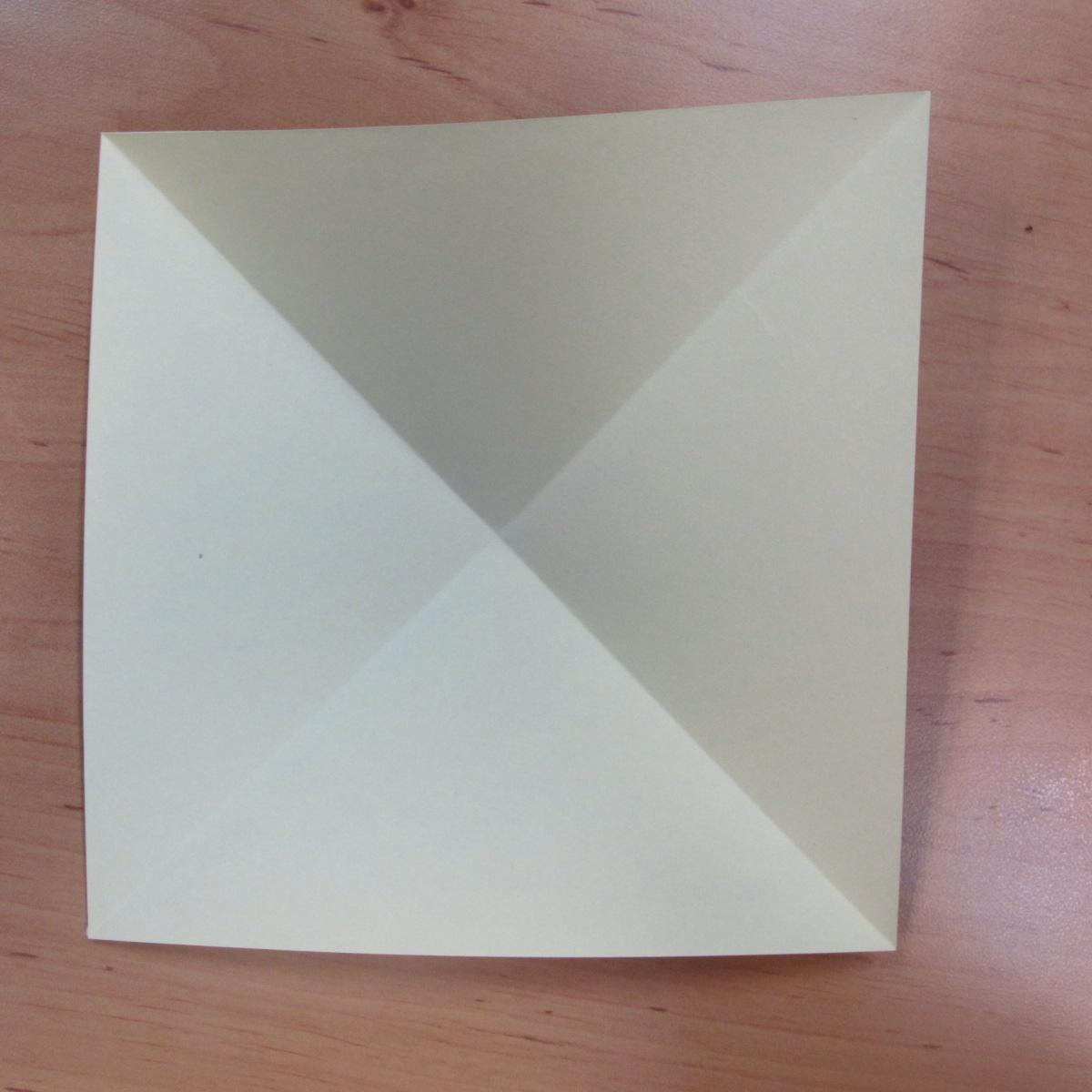 วิธีพับกระดาษเป็นดอกกุหลายแบบเกลียว 002