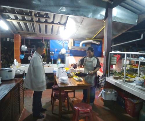 Th-Um Phang -Ville-Gens (2)1