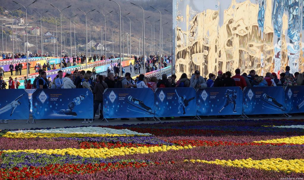 Олимпийский парк: Очередь в олимпийский магазин