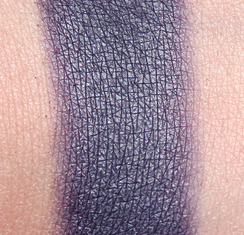 Inglot 494 eyeshadow swatch