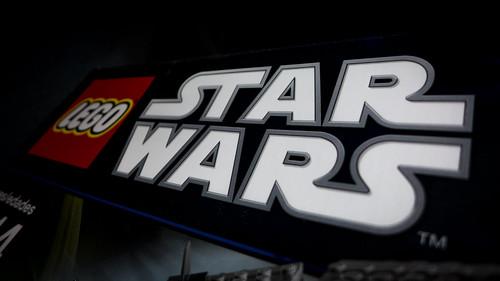 LEGO_Star_Wars_7965_01
