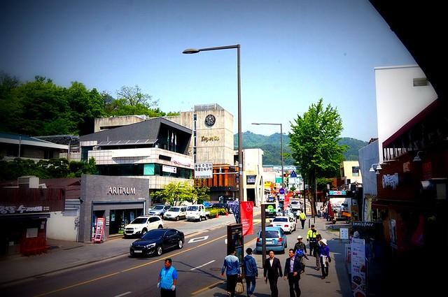 Seoul, Korea - Nostalgic Charm in Urban Seoul - Samcheong-dong 1