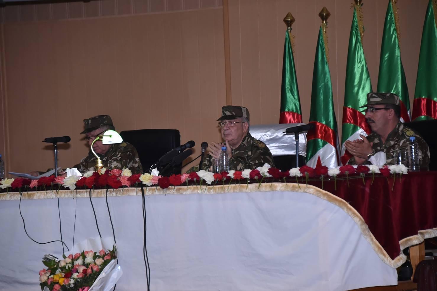 الجزائر : صلاحيات نائب وزير الدفاع الوطني - صفحة 5 30247850384_1944601568_o