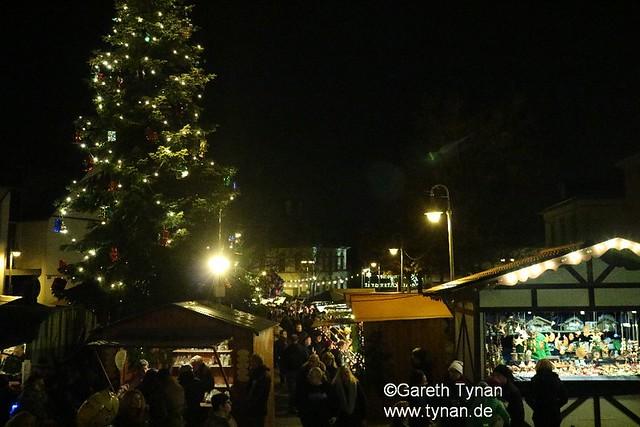 s161126b_0155+_Langen_Weihnachtsmarkt